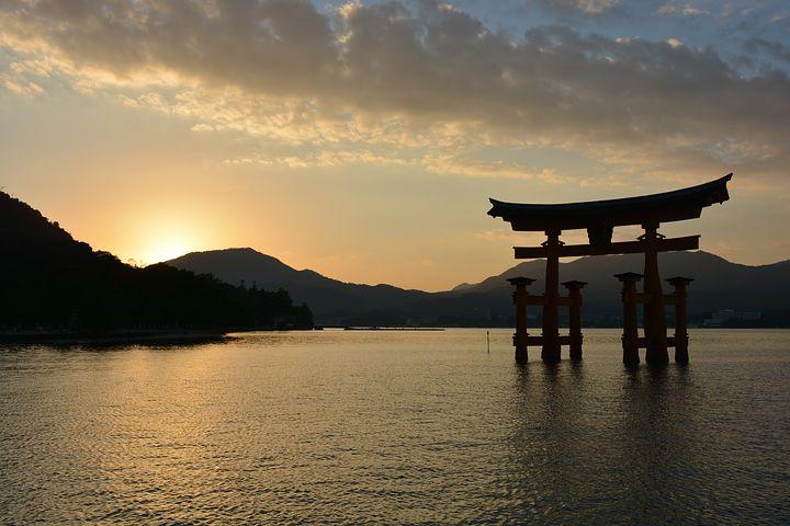 shrine-1030442__480